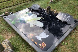 Stikliniai 3D Antkapiai - kapų tvarkymas - dengimas plokštėmis