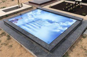 Stikliniai 3D Antkapiai - kapų tvarkymas - laiptai į dangų