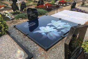 Stikliniai 3D Antkapiai - kapų tvarkymas - lelijos
