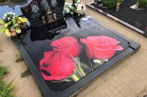 Stikliniai 3D Antkapiai - kapų tvarkymas - raudonos rožės 2
